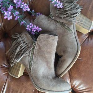 Wild diva fringe boot bootie 7.5 tan point toe